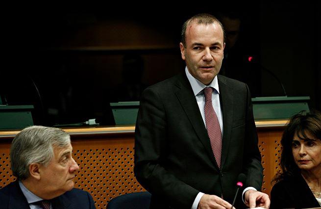 Do čela evropské vlády míří bavorský úředník Manfred Weber