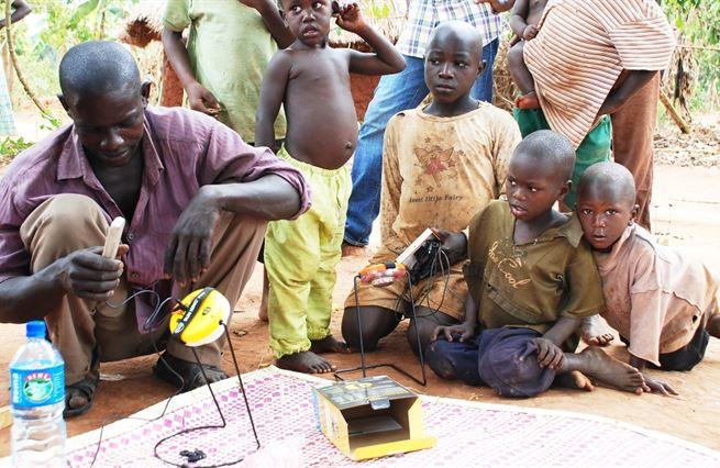 Rozvojová pomoc: nesou naše dolary ten nejlepší užitek?