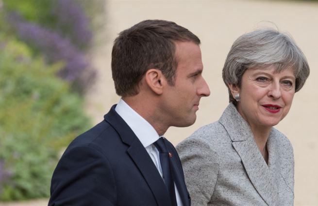 Francie chce dostat Británii z Unie. Pomůže si tím