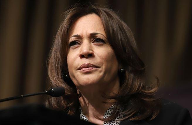 """Harrisová """"sestřelila"""" bývalého viceprezidenta. Půjde na Trumpa?"""