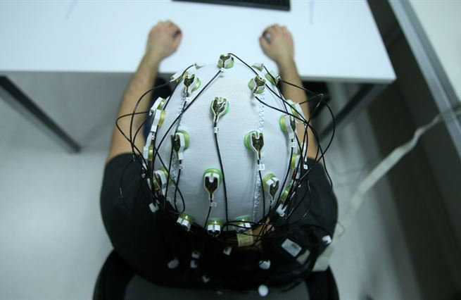 NeuroTech: technologie válcujou prášky. Proč to není dobře