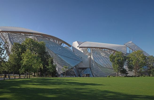 Překvapivé stavby Adama Gebriana: U Vuittona v Paříži