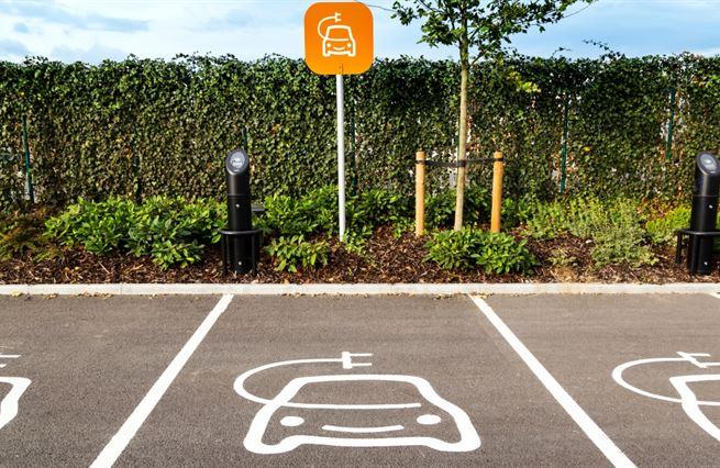 Elektromobily jsou budoucnost. A někdo se jí i dočkáme