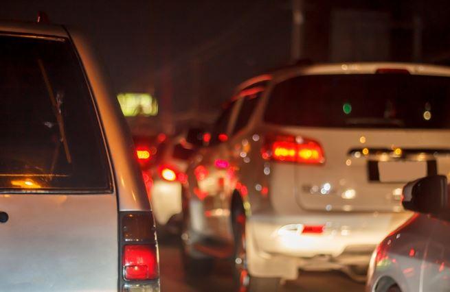Chcete snížit klimatický dopad aut? Udělejte je lehčí!