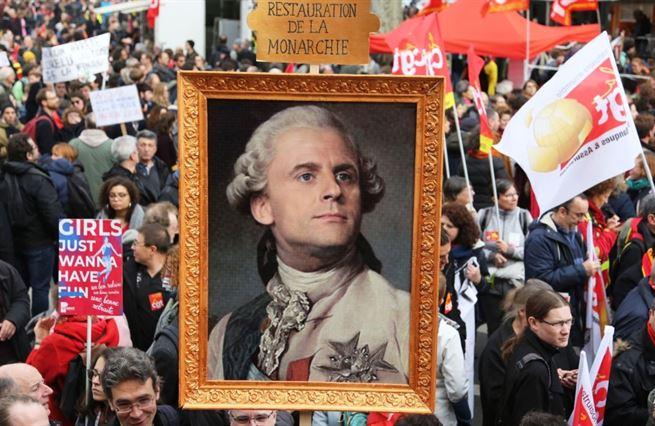 Francouzské odbory bouří proti reformě důchodů