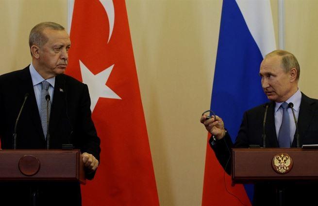 """Díky Rusku může Turecko Západu říkat, že """"jsou i jiné možnosti"""""""