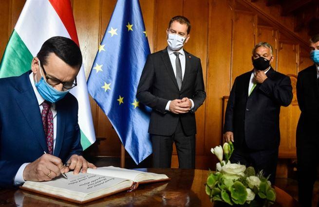 EU po koroně. Česko poprvé zaplatí víc, než od Unie dostane. Zvykejme si