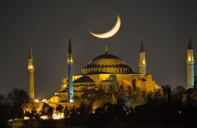 Kostel, mešita, muzeum, mešita, Hagia Sofia. Historie jedné z nejpozoruhodnějších staveb světa