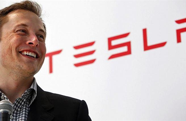 Génius i vrah. Musk může Teslu pohřbít stejně rychle, jako ji nakopl