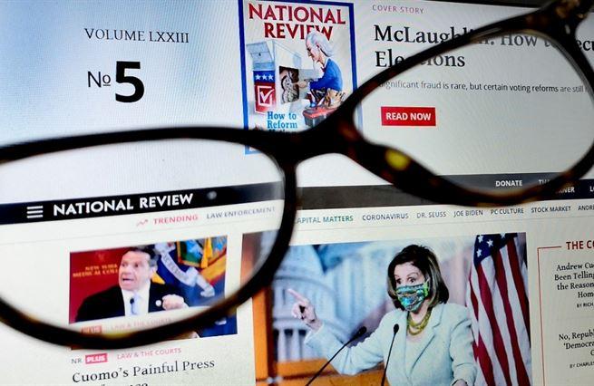 Globální problémy si nás nacházejí samy, říká americký novinář. Trumpa už odepsal