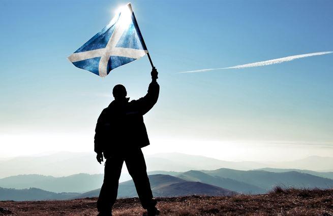 Lídři na nože, nezávislost v trapu. Skotsko odkládá separatistické ideje