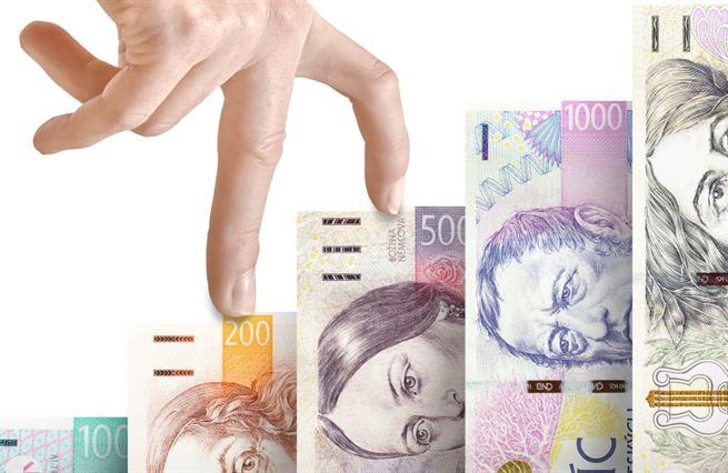 Kovanda: Je třeba konat, Česko platí (skoro) nejvyšší úrok v EU