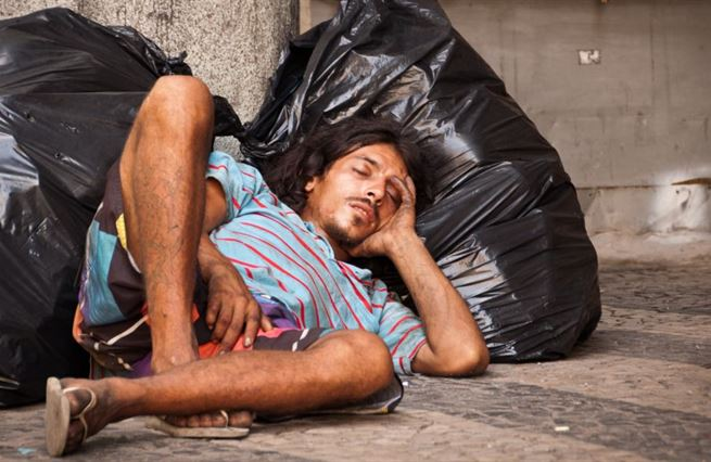 Hromadné krachy a nebývalá chudoba. Pandemie zanechává v Latinské Americe spoušť