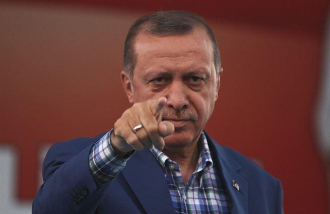 Když Turek chřestí zbraněmi. Nearabský aspirant na vůdce Arabů