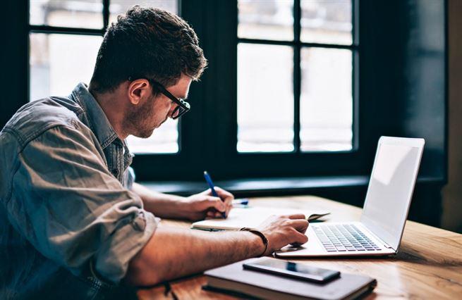 Jak si psaním vydělat miliony. Substack mění pravidla hry