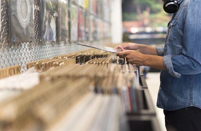 Vinylová exploze. Prodeje LP desek raketově rostou, lisovny nestíhají