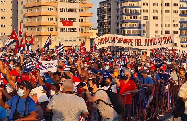 Internet a bída. Dvě hlavní příčiny kubánské revolty