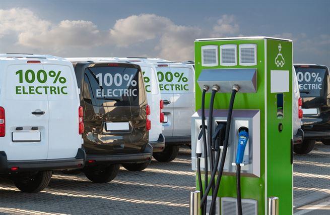 Elektrifikaci vozových parků se české firmy nevyhnou, říká poradce