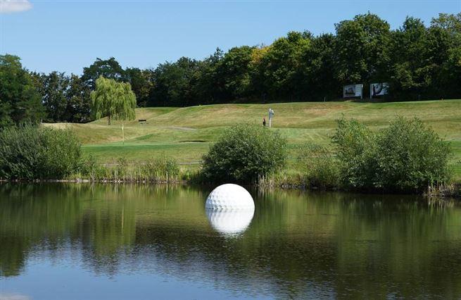 Golf vládne Česku. Průvodce po jamkách, které znamenají svět