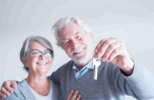 Mezigenerační hypotéky? Nesmysl, shodují se experti