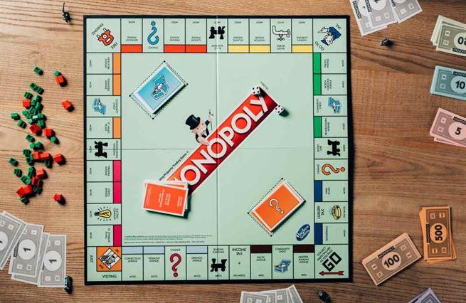 Monopoly. Hra, se kterou si historie pohrála