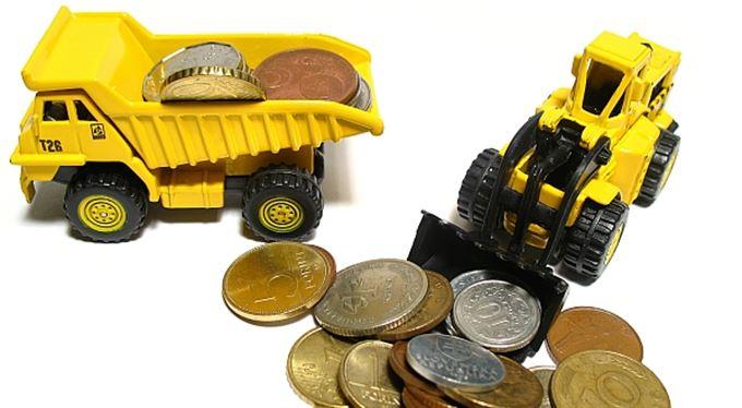 Malé peníze: Půjčit si u banky, HomeCreditu, nebo v aukci půjček na webu?
