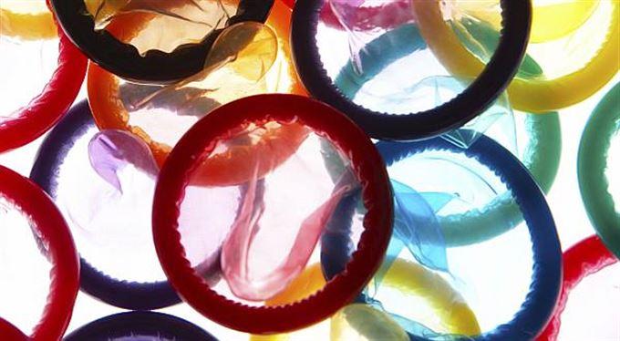 Další důsledek krize? Byznys s kondomy roste