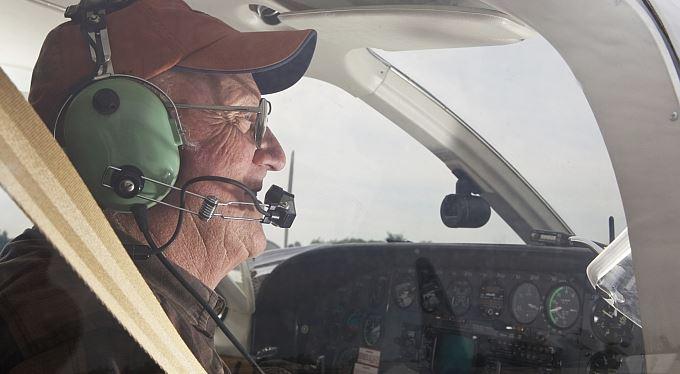 Knipl letadla v rukou čiperného důchodce: 1700 podvedených, miliardová škoda