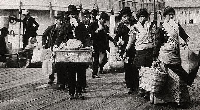 Maďarů už uteklo za lepším půl milionu. Začne emigrace z Česka?