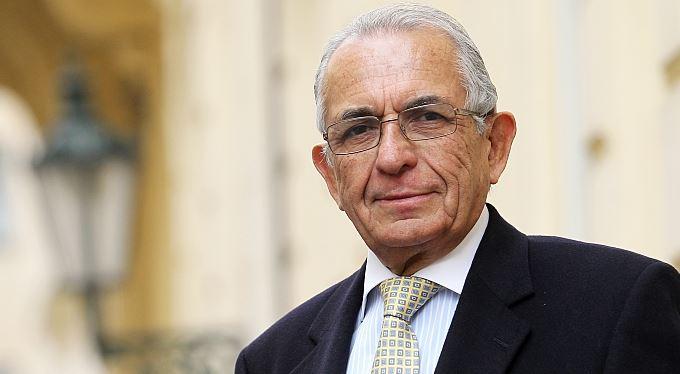 Pinochetův ministr: Diktátoři se moci nevzdávají