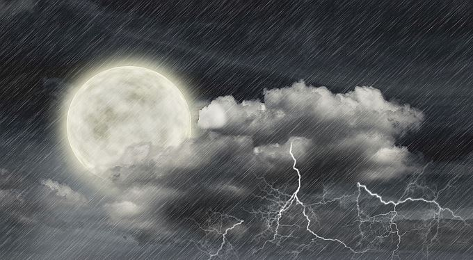 Vichřice, bouřka, krupobití: Ani pojištění často nevědí, proti čemu se pojistili