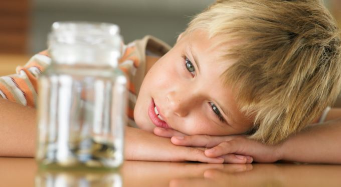 Jak finančně vzdělat děti? Kapesné, šetření, hry!