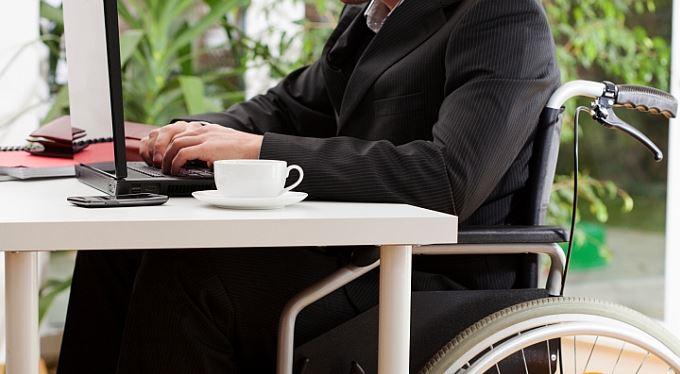 Zaměstnávat zdravotně postižené se vyplatí. Kolik vám dá stát?