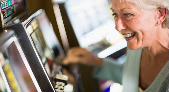Gambler v dluzích nebo na dávkách už si nezahraje. A další páky na hazard