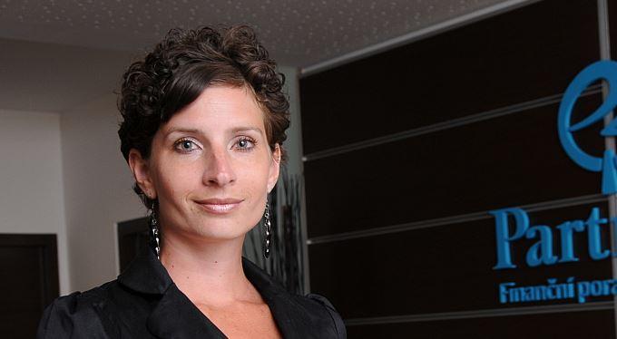 Lucie Drásalová: Nestrkejte před dluhy hlavu do písku