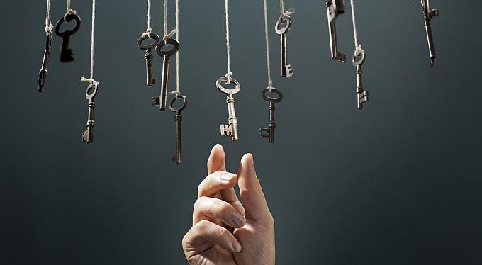 Prodáváme byt: Jak si vybrat realitku? Pozor na franšízy!