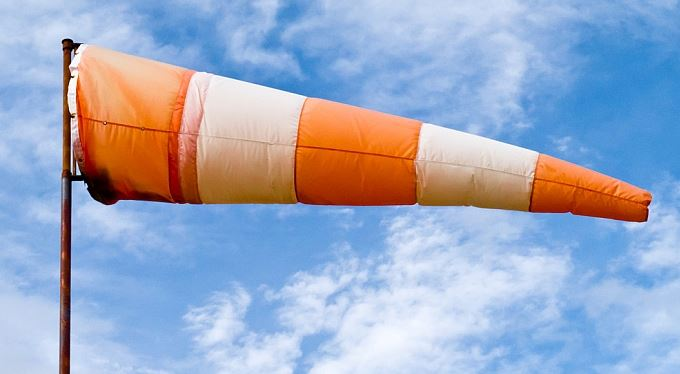 Regulace prodeje životních pojistek. Revoluční tajfun, nebo větříček? A komu pomůže?