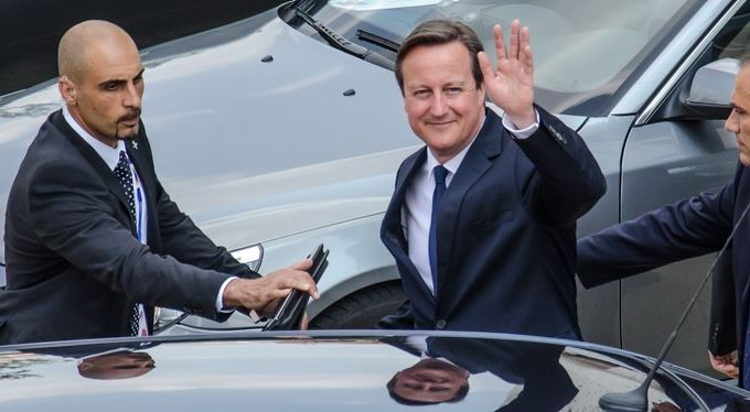 V Británii šéf konzervativců, v Česku neomarxistický multikulti sluníčkář