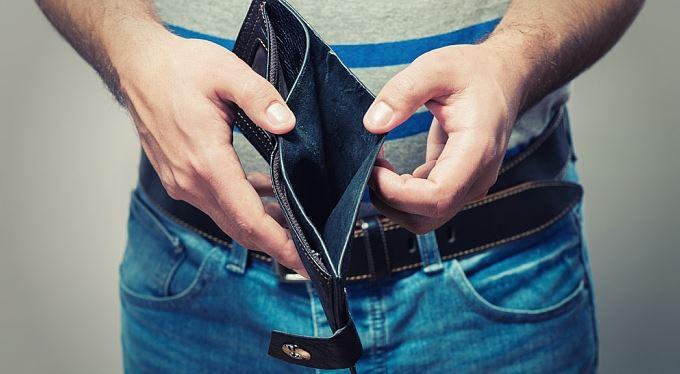 Minimální mzda opět stoupne, vláda ji zvýšila o 700 korun