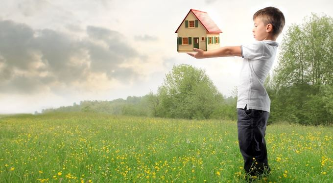 Ze života: Napsali jste dům na dítě? Bez souhlasu soudu ho neprodáte