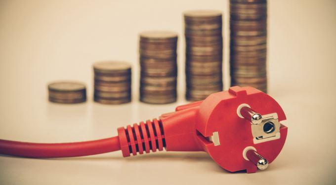Nové platby za elektřinu pod palbou. Chudí nesmí dotovat bohaté