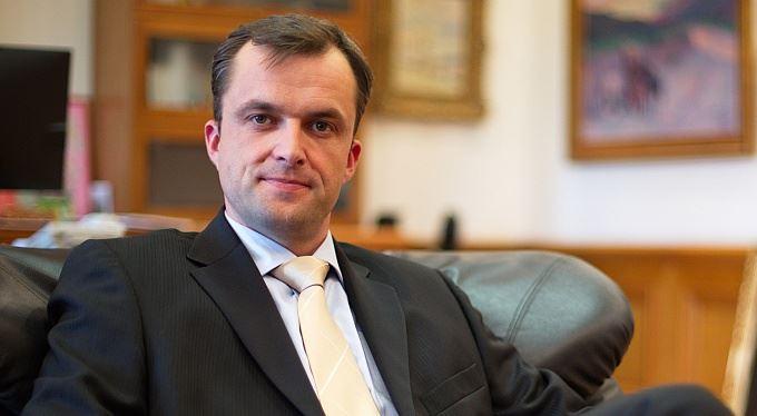 SAXO BANK: Čas vyměnit investiční trabanty za nadupané ferrari