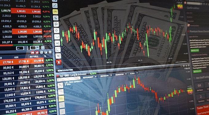 Jak investovat pomocí binárních opcí a vyhnout se přitom podvodníkům?