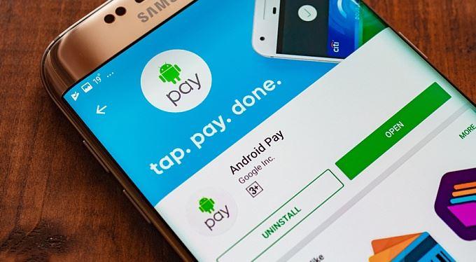 Bankovní novinky. Android Pay, mobil se slevou a zrychlená platba bez poplatku