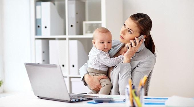 Mateřská a rodičovská dovolená. Na co máte právo při návratu do práce?