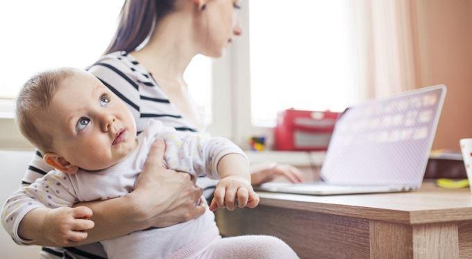 Chystá se: Vyšší rodičovský příspěvek, změny v čerpání a místo dovolené péče