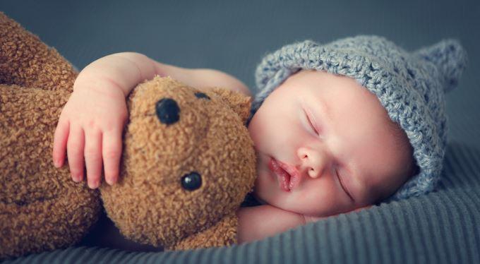 Křestní jméno: Jak můžete pojmenovat dítě? A co vám neprojde