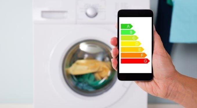 Energetické štítky se změní. Jak nově poznáte úspornou pračku nebo žárovku?