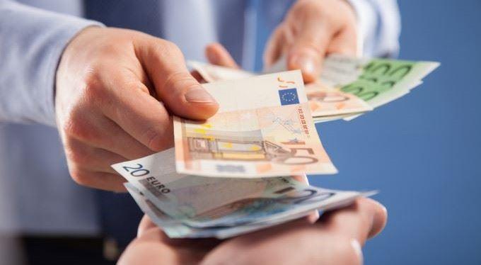 Kde nakoupit eura a kuny na dovolenou? Do směnárny hned nechoďte