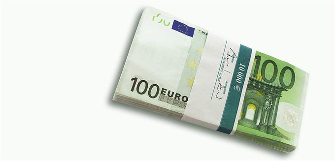 Visegrád má k euru daleko